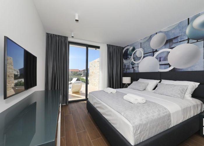 bedroom with view villa pasman