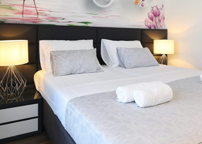 king bed villa pasman